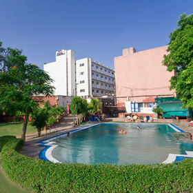 Green and Peaceful Hotel Atithi, Agra | Glamour World! | Scoop.it