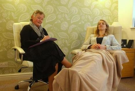 What do you think when you hear the word 'hypnotising'? Cirencester ... - Wilts and Gloucestershire Standard | LOVE the karma tree | Scoop.it