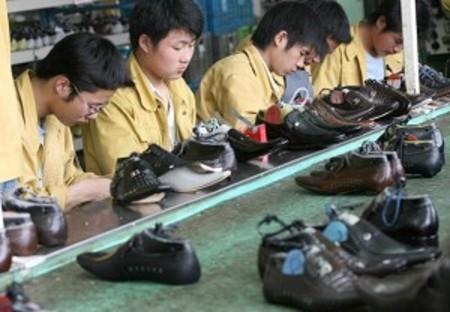 En riesgo 100.000 empleos.   Shoes Glamour   Scoop.it
