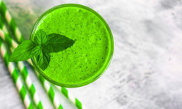 10 Best Ingredients to Include in Your Superfood Smoothies | EcoWatch | Scoop.it