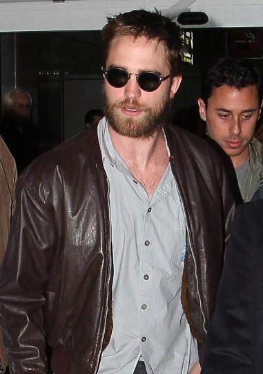 Robert Pattinson's Beard is Back in Paris! (video, photos) - TheImproper.com | The Twilight Saga | Scoop.it