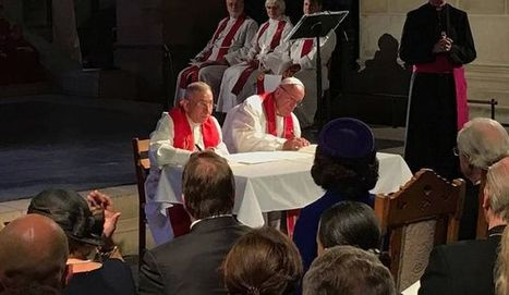 El Papa abraza a los obispos y obispas luteranos y firma un documento histórico a favor de la unidad de los cristianos   Tan antigua y tan nueva   Scoop.it