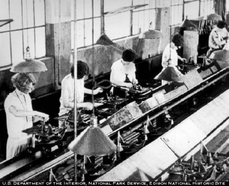 Primary Doc. #3 The Assembly Line | Ford Motor Company ( 1919-1929 ) | Scoop.it