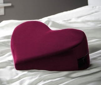 Valentine's Day Gift Ideas For Him And Her | Dating Tips and Tricks | Scoop.it