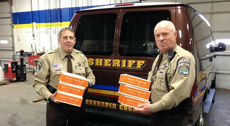 In Minneapolis, police distribute free healthy food packages | Entrepreneurial charity ideas from Springwise | Scoop.it