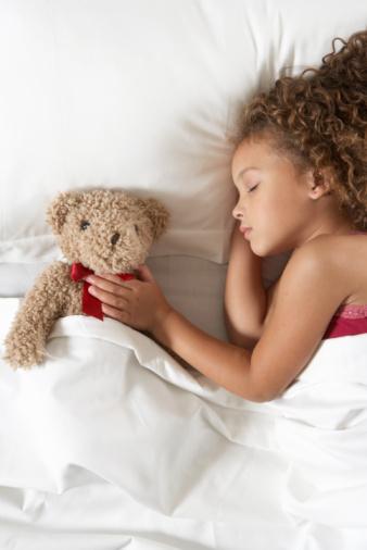 Sommeil de l'enfant : A quel âge le bébé « fait-il ses nuits » ? | B Kids France | Scoop.it