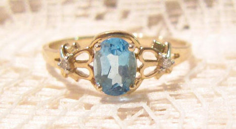 Stunning 14 KT Gold Blue Topaz Womans Ring Size 9 | Fabulous Vintage Jewelry | Scoop.it