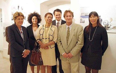 Inauguration à la Délégation de la Polynésie française à Paris de l'exposition Tamari'i volontaires | Tahiti Infos | Kiosque du monde : Océanie | Scoop.it