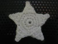 Small Five-Point Star Crochet Pattern « Kyriosity | Crocheting tips | Scoop.it
