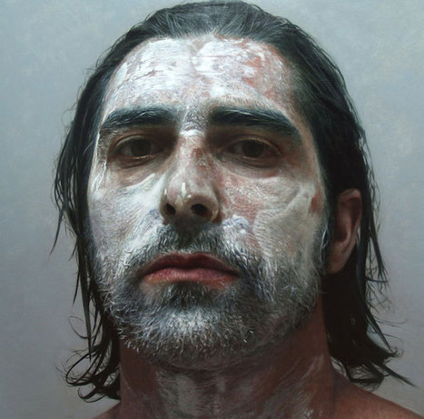 """Artist """"Takes"""" Incredible Self-Portraits In A Way You Didn't Expect 