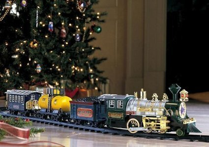 Christmas Train Sets Under the Tree | Ideas for Christmas Gifts and Decorating | Scoop.it