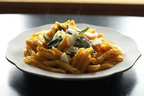 #RECIPE - Creamy Pumpkin Pasta With Crispy Sage - Ring Finger Tan Line | Food | Scoop.it
