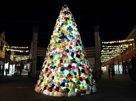 Over 4,000 Plastic Bags Recycled Into Giant Illuminated Tree | PROYECTO ESPACIOS | Scoop.it
