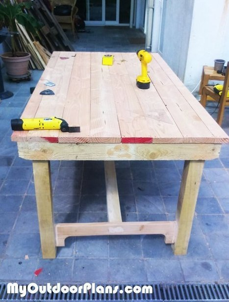 DIY Outdoor Table | MyOutdoorPlans | Free Woodworking Plans and Projects, DIY Shed, Wooden Playhouse, Pergola, Bbq | Garden Plans | Scoop.it