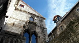 Remiremont : les archives ouvrent leur bibliothèque et présentent ... - Vosges Matin | Généalogie et histoire, Picardie, Nord-Pas de Calais, Cantal | Scoop.it