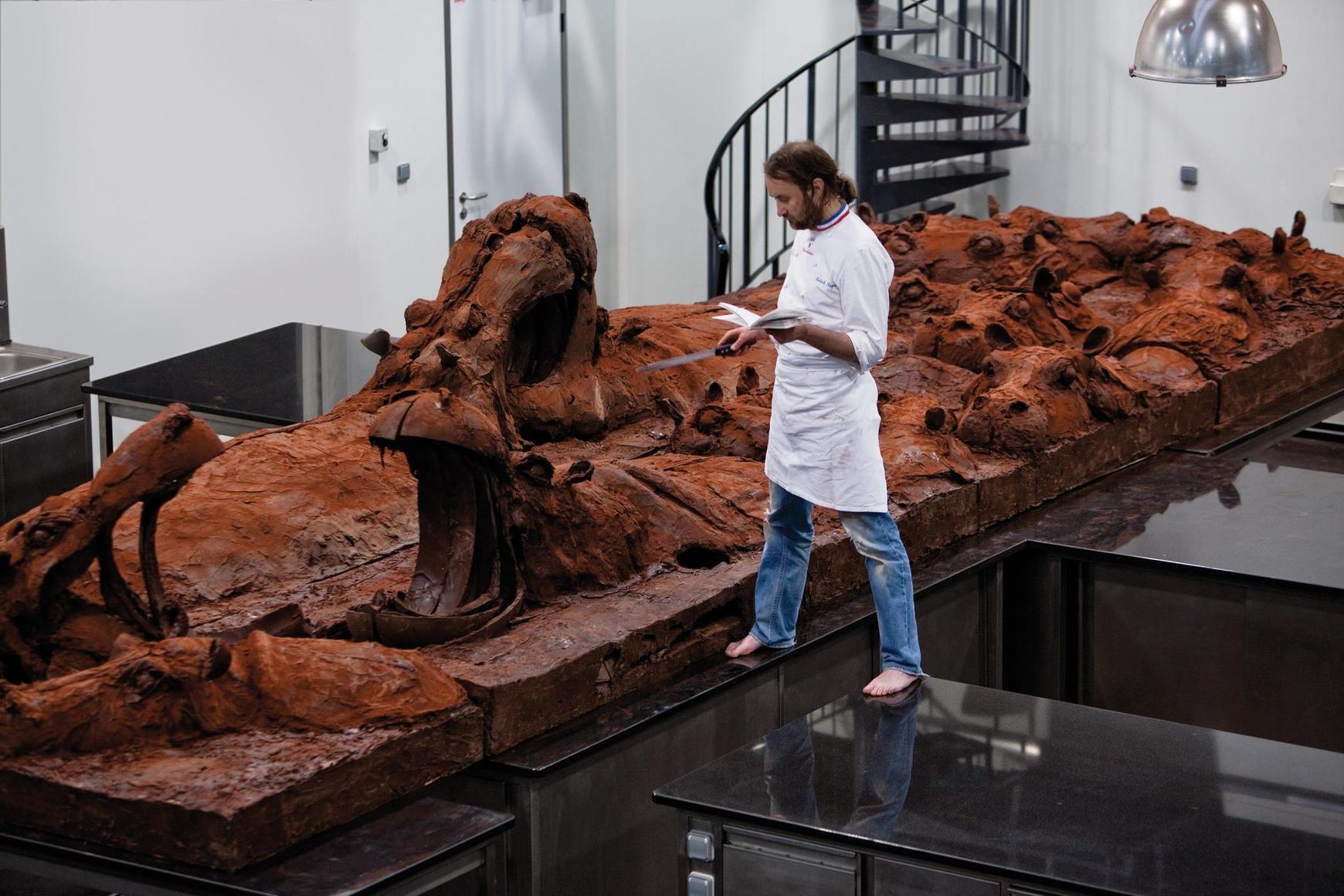 patrick roger chocolate sculpture art instal. Black Bedroom Furniture Sets. Home Design Ideas
