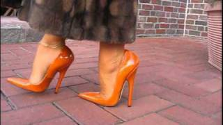 LADY BARBARA SEXY HEELS WALKING | VIM | Scoop.it