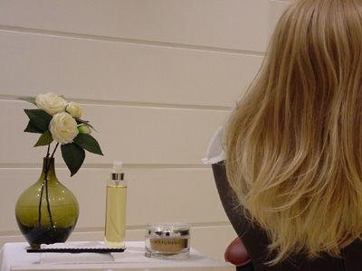 couvrir cheveux blancs naturellement in optez pour la coloration vgtale coloration 100 naturelle 2moss paris scoopit - Colorer Cheveux Blancs Naturellement