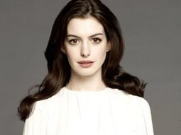 Anne Hathaway statue unveiled at Madame Tussauds   Celebrity Sports News   Scoop.it