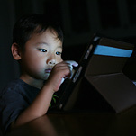 NYT: Screen Time Higher Than Ever for Children, Study Finds   Visual*~*Revolution   Scoop.it