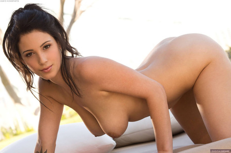 more-than-curves:<br/><br/>Noelle Easton. | Busty Boobs Babes | Scoop.it