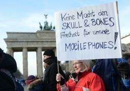 NSA : les hackers et la ligue des droits de l'homme portent plainte contre Merkel | Internet and Private life | Scoop.it