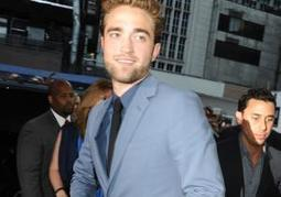 Robert Pattinson puts Kristen Stewart affair behind him as he parties in New ... - New York Daily News | The Twilight Saga | Scoop.it