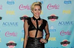 MILEY CYRUS TO PERFORM AT 2013 MTV VMA | CELEBRITY WORLD eDIGEST | Scoop.it