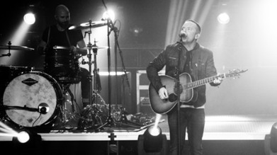 Chris Tomlin: On Top of the World: The most-sung artist in music history opens up about worship, justice, humility, and leading people to experience God on the most successful tour of his career. | Contemporary Christian Music News | Scoop.it