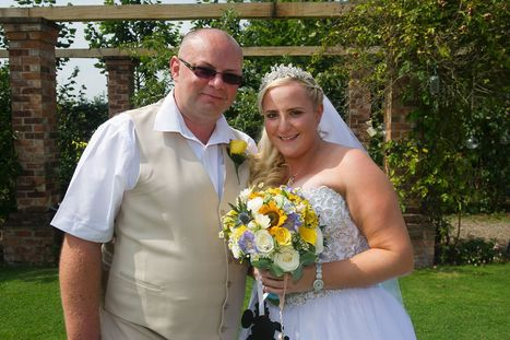 EuroMillions winner marries childhood sweetheart after £1m win | Euromillions | Scoop.it