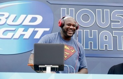 Shaquille O'Neal talked penny stocks while smooching a broker's head on CNBC | Vancouver | Scoop.it