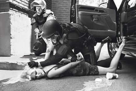 Guerre, crise des réfugiés et marée noire : la photographie de mode peut-elle faire rêver de tout ?   Arts & photographie   Scoop.it