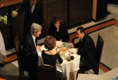 The Picture That John Kerry Really Doesn't Want You To See - A Nice Cosy Dinner With 'Very Generous' Assad - David Icke Website | News | Scoop.it