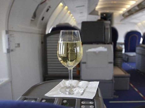 Here's why #wine tastes different when you're on a plane | Vitabella Wine Daily Gossip | Scoop.it