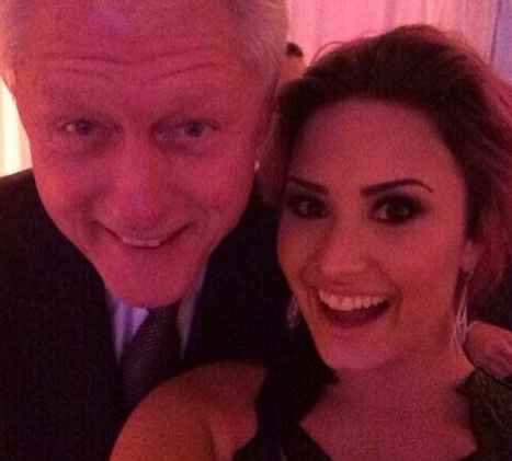 Demi Lovato's Selfie With Bill Clinton Should Be On A Stamp ... | Musica | Scoop.it