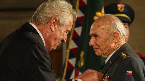 95letý veterán od Tobruku odešel z vedení Svazu bojovníků za svobodu. Kvůli Ovčáčkovi a Bobošíkové | ANFAS | Scoop.it