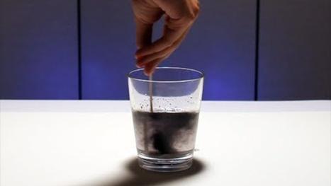 This iodine clock reaction happens so fast it looks like magic | Strange days indeed... | Scoop.it