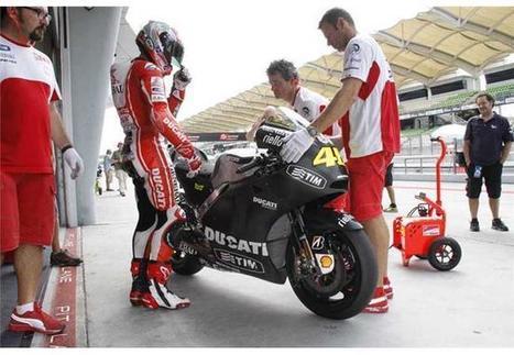 Rain in Sepang, few laps   MotoGP World   Scoop.it