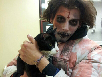 'Zombie' Finds, Returns Cat Missing For 2 Years To NYPDOfficer - CBS New York | Feline Health and News - manhattancats.com | Scoop.it