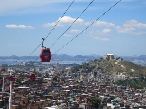 Du transport urbain au safari touristique : la double image du téléphérique urbain du Complexo do Alemão à Rio de Janeiro | Urbanisme | Scoop.it