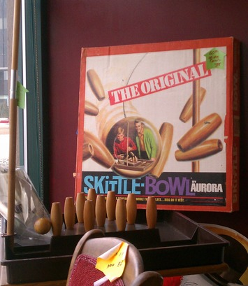 Skittle-Bowl, by Aurora | Antiques & Vintage Collectibles | Scoop.it