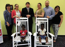 Library receives donation of rocking chairs from Cracker Barrel | Tennessee Libraries | Scoop.it