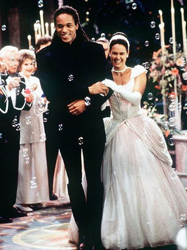 20 Of The Worst Wedding Dresses From Soap Operas | a la mode | Scoop.it