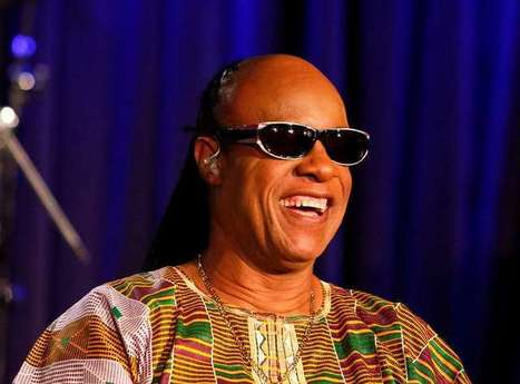 Stevie Wonder bientôt papa de 11 enfants, sa copine attend des triplés - Voici | De Parents A Parents | Scoop.it