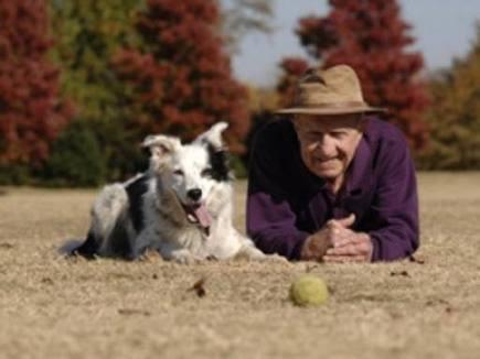 Vuoi dimostrare dieci anni in meno?  <br/>Allora prenditi cura di un cane | Mente e Cervello | Scoop.it