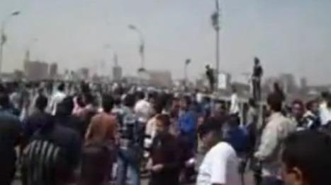 Les habitants de Sohag protestent contre Morsi lors de sa visite أهالي (& vidéo) سوهاج يتظاهرون ضد زيارة مرسي ويطالبونه بالرحي | Égypt-actus | Scoop.it