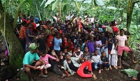 Rebola : Plus d'une centaine d'habitants se rendent en procession au menhir «Ité Böcho»   ASSOCIATION FRANCE-GUINEE EQUATORIALE   Mégalithismes   Scoop.it