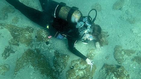 Fotos: Descubren una antigua ciudad griega de la Edad del Bronce bajo el Mediterráneo | LVDVS CHIRONIS 3.0 | Scoop.it