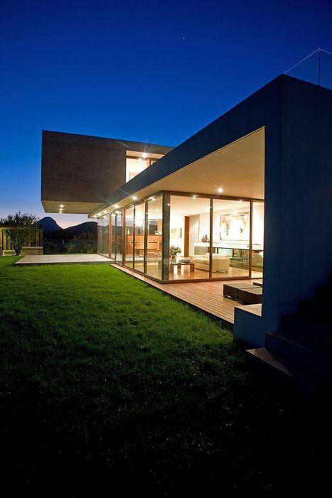 Massive and Modern Concrete House in Chile by Raimundo Anguita   +Arquitectura   Scoop.it