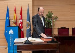 Emilio Mínguez toma posesión como Director de la ETSII-UPM: una gestión a seguir con detalle.   Boletín resumen del año 2014.   Scoop.it